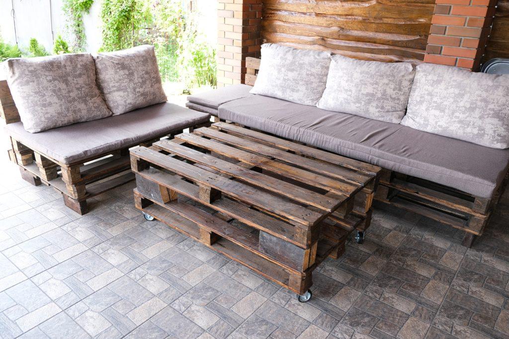Gartenmöbel aus alten Paletten